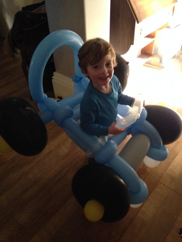 Balloon model Car